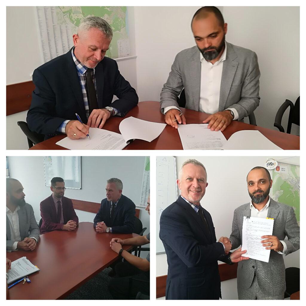 podpisanie umowy z firma Smart Factor