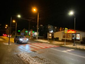 Nowe oświetlenie na przejściu dla pieszych na Dąbrowie