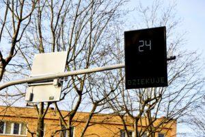 Nowe wyświetlacze prędkości na Unruga
