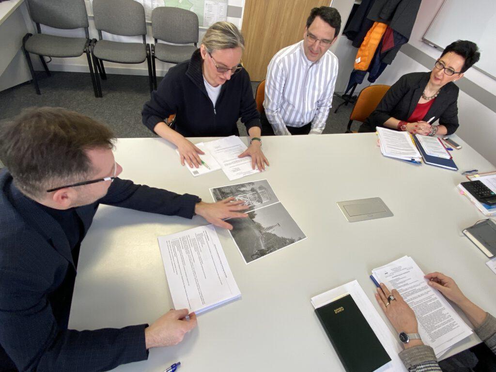 Uczestnicy dialogu technicznego w sprawie witomińskiej wieży widokowej/ fot.ZDiZ