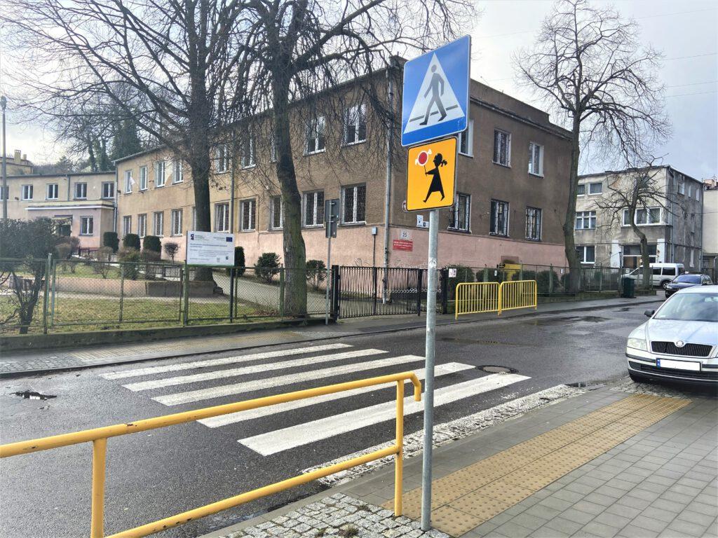 Przejście dla pieszych przy ul. Wolności