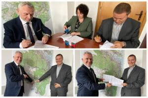 Podpisanie umowy na budowę bazy LIZUD z przedstawicielami firmy Eurovia // fot. ZDiZ
