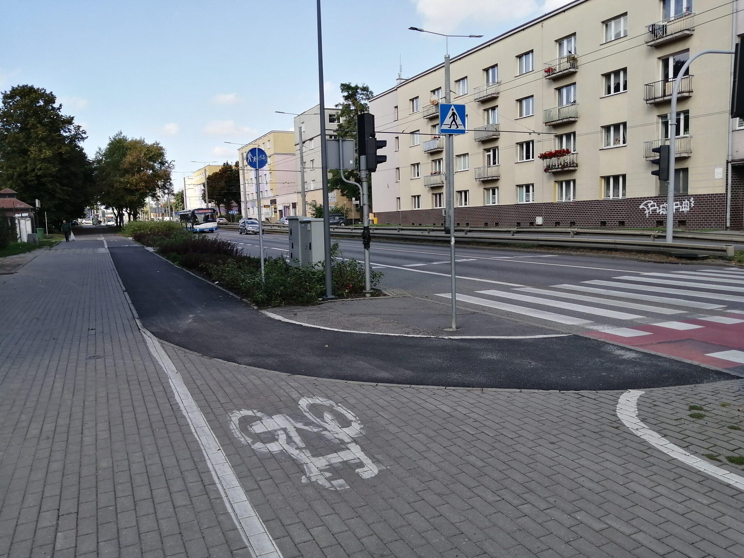 Nowy fragment nawierzchni na trasie rowerowej na ul. Morskiej // fot. ZDiZ