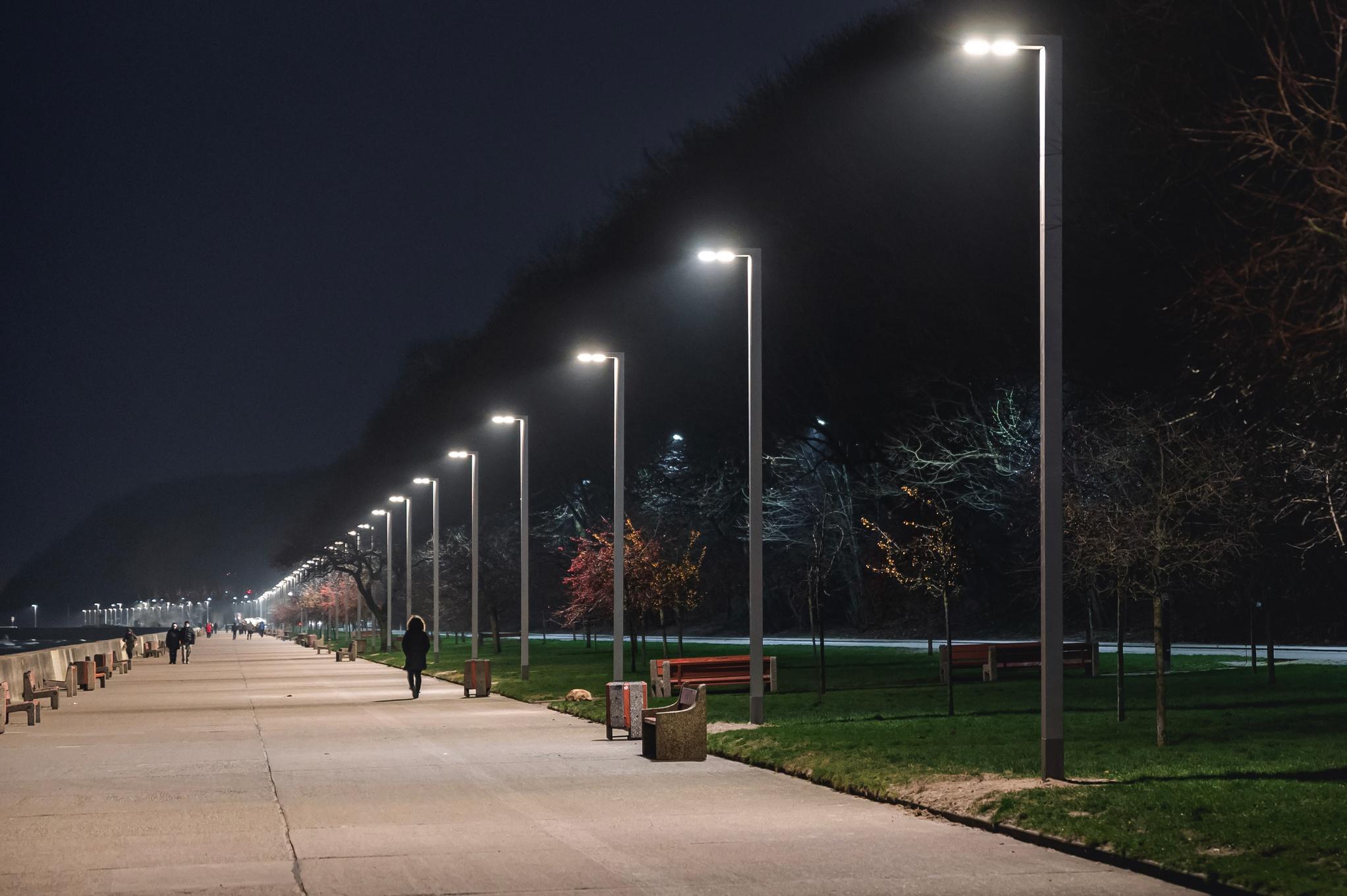 latarnie LED na bulwarze Nadmorskim // fot. #dzielnicewGdyni