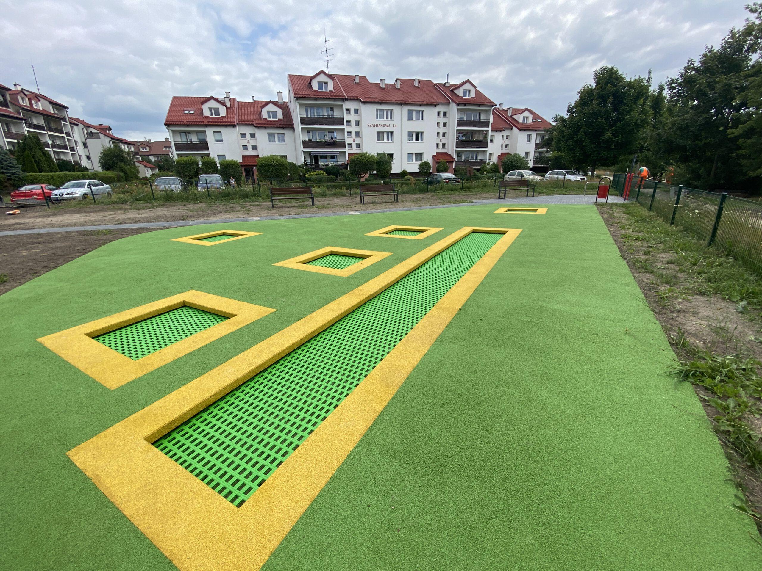 trampoliny ziemne_Dąbrowa